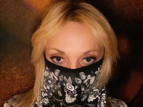 На Кристину Орбакайте напали за фото в маске