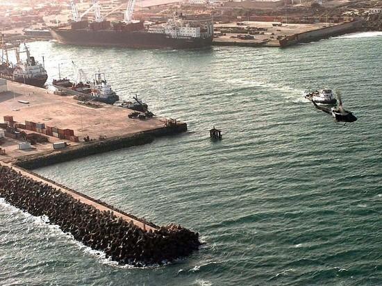 В порту столицы Сомали произошел мощный взрыв