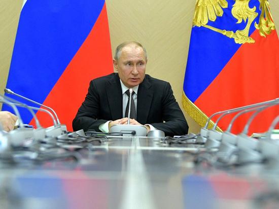 """В Госдуме пообещали Путину титул """"Владимира-объединителя"""""""