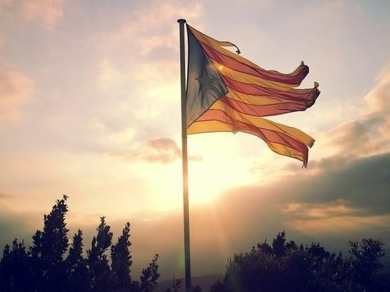 Жесткий карантин ввели в одном из районов Каталонии из-за коронавируса