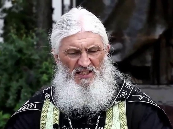 В минувшую пятницу лишенный сана отец Сергий Романов заявил, что не покинет Среднеуральский женский монастырь, где является духовником