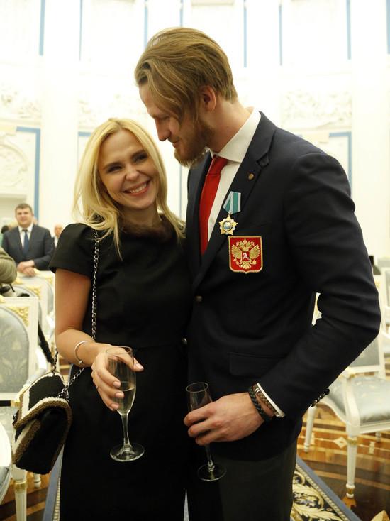 Пелагея потеряла голос из-за развода с Иваном Телегиным