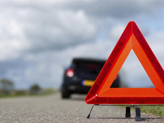 Подросток на машине врезался в опору ЛЭП в Тверской области