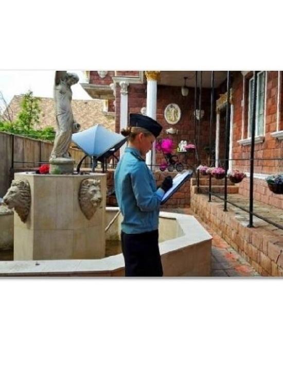 У ярославской бизнесвумен в счет погашения кредита забрали коттедж с фонтаном