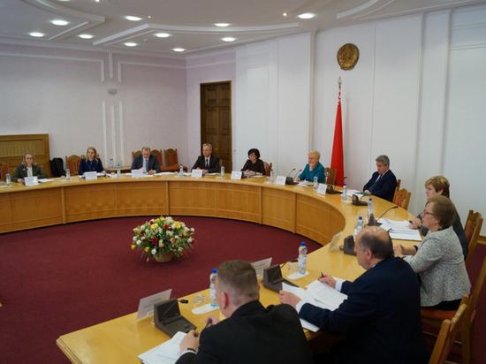 ЦИК Белоруссии приступил к выбору оппонентов Лукашенко: регистрация началась