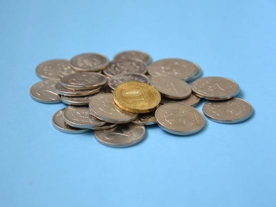Правительство выделит еще 3,6 млн рублей на выплаты соцработникам