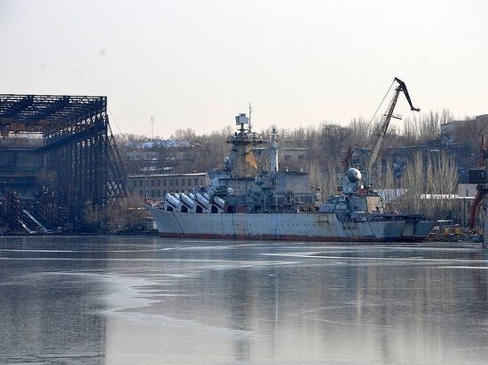 "Отказ от крейсера ""Украина"" связали с Россией"