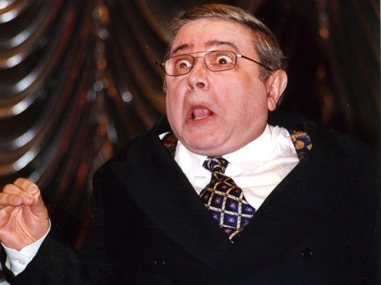 74-летний народный артист РСФСР Евгений Петросян после женитьбы на своей 31-летней директорше Татьяне Брухуновой стал очень болезненно воспринимать любые обсуждения этого брака