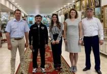 Мэр Улан-Удэ, глава Бурятии и руководитель Ростуризма посетили музей-галерею Льва Бардамова