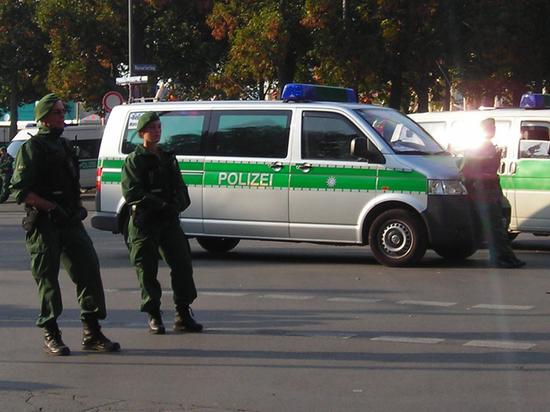 Причиной инцидента стало то, что украинские водители грузовиков отказались выпить водку по требованию поляков.