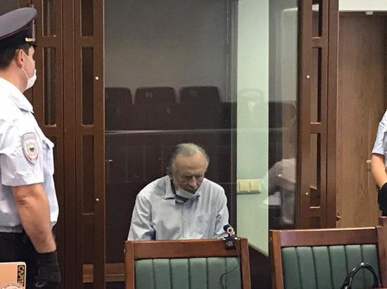 Суд разрешил обнародовать переписку доцента Олега Соколова и аспирантки Анастасии Ещенко, в убийстве которой обвиняется историк