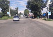 В Кызыле на женщину с коляской наехала легковая автомашина. ВИДЕО