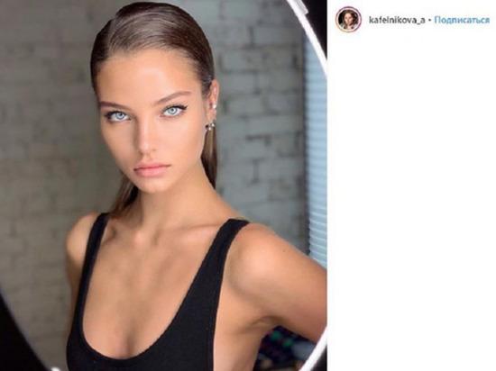 Супермодель Алеся Кафельникова опубликовала на своей странице в Instagram пикантное фото