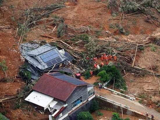 В Японии эвакуируют почти 1,3 млн жителей из-за наводнений