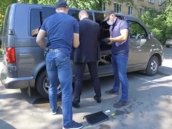 При задержании у Сафронова изъяли сигареты, маску и перчатки