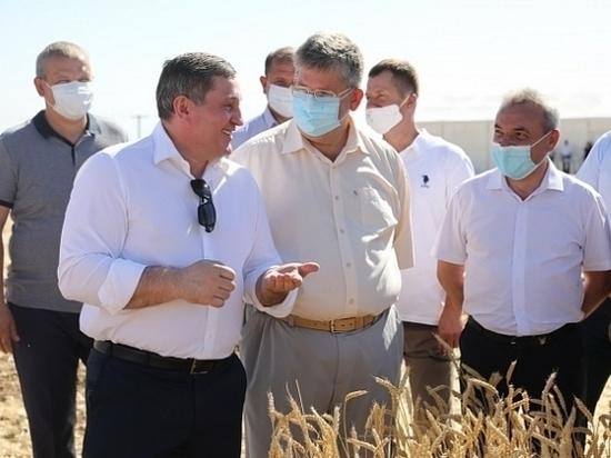 Андрей Бочаров сверил вопросы развития АПК с работниками отрасли