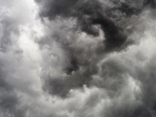 Днем во вторник, 7 июля, в Москве и области произошло резкое ухудшение погоды, начался ливень с грозой и шквалистым ветром