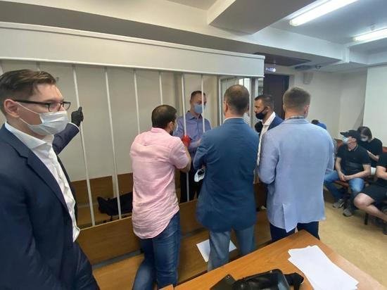Следователь неудачно попытался отвести адвоката Ивана Сафронова