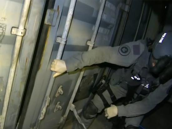 Полиция Нидерландов нашла камеры пыток в контейнерах