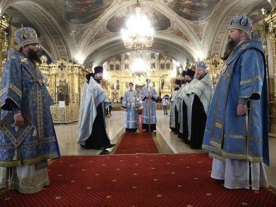 РПЦ: упоминание Бога в Конституции не может оскорбить атеистов
