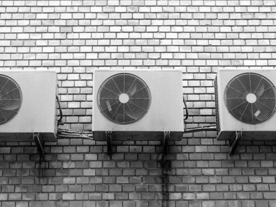 Приставы в Новокузнецке приостановили работу шумного кондиционера