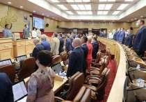 60 безотлагательных вопросов: в ЗС приняли антикризисные решения