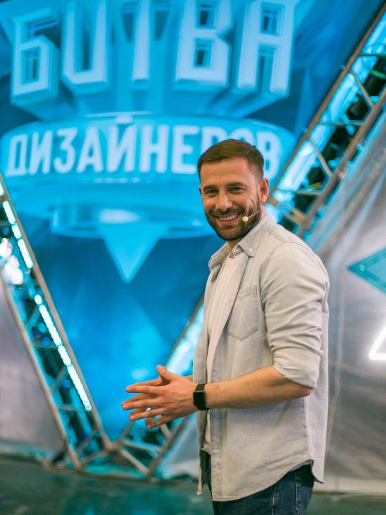 Финалист шоу «Замуж за Бузову» Валентин Коробков стал ведущим нового проекта ТНТ