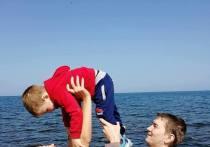 АНХК поздравляет семьи-династии с днем любви и верности