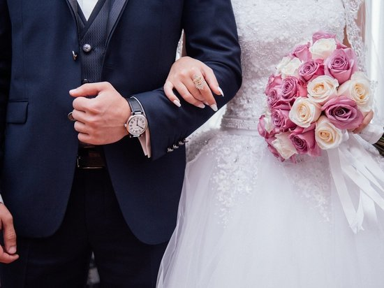 Более 40 пар в Забайкалье расписались в «красивую дату» 7 июля