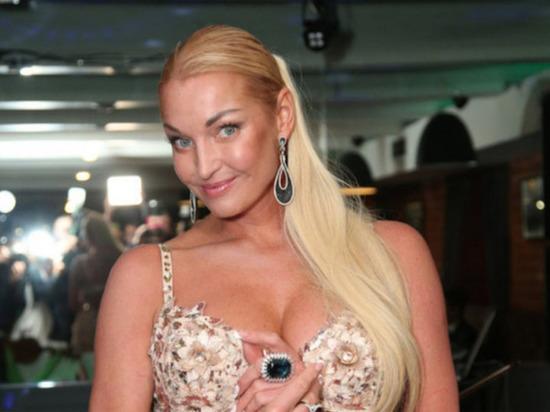 Видео Волочковой с обручем повеселило фанатов