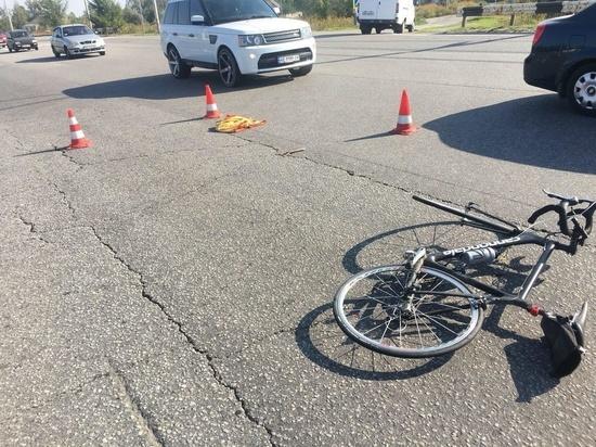 Два подростка на велосипеде попали в ДТП в Локне