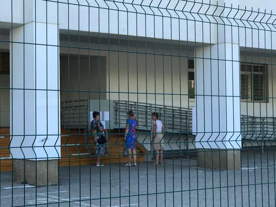 ЕГЭ-2020: в Евпатории выпускники держали экзамен по русскому языку