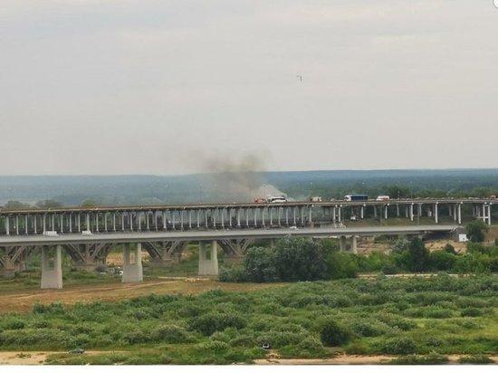 На борском мосту в Нижнем Новгороде сгорел автобус
