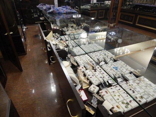 В Усолье неизвестные ограбили ювелирный салон на 10 млн