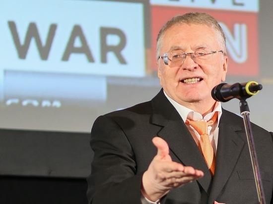 Жириновский пригрозил сложением полномочий всей фракцией ЛДПР