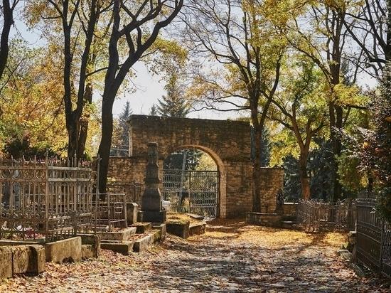 Власти Ставрополья найдут средства на Пятигорский некрополь