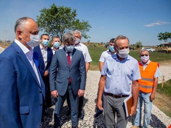 Президент Молдовы проверил ход ремонтных работ в Гагаузии