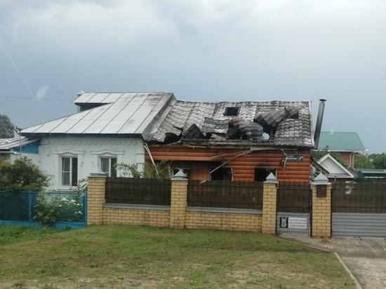 В посёлке Желнино после удара молнии сгорел дом
