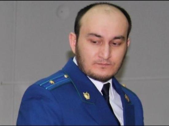 Экс-прокурору Березовского района и его брату продлили арест по делу о взятке