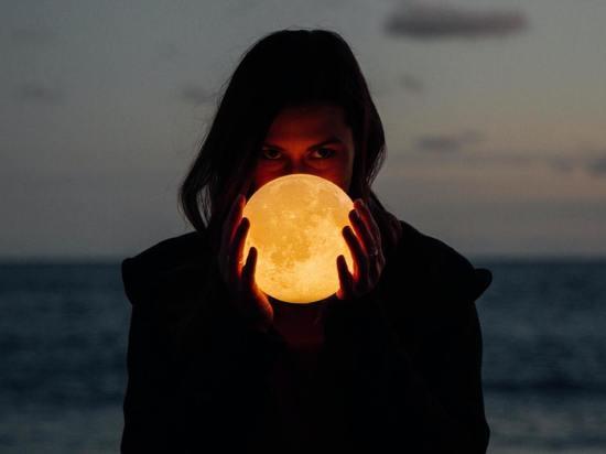 Точный гороскоп на 10 июля: звезды заряжают на успех