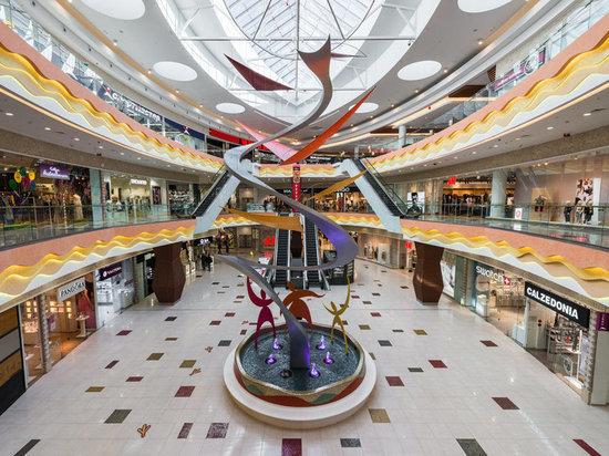 В торговых центрах Петербурга работу возобновили лишь 25% магазинов
