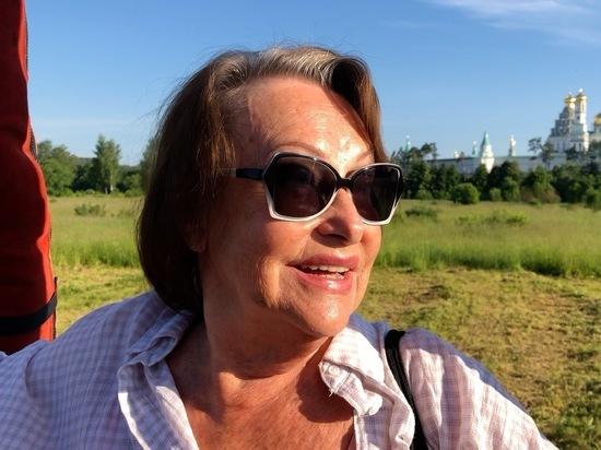 Худрук Театра классического балета Касаткина стала воздухоплавателем, потушив волосы шампанским