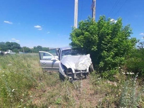 На Дону в ДТП погибли два человека и четверо пострадали