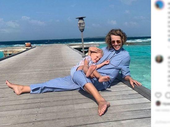 Телеведущая Ксения Собчак объяснила в своем Instagram, каким образом ее друзья смогли улететь на отдых на море, учитывая что из-за пандемии коронавируса границы остаются закрытыми