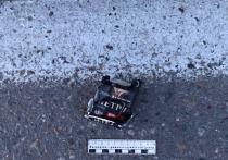 В Туве пассажир  иномарки сбросил гашишное масло
