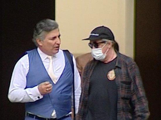 Адвокат Ефремова рассказал о давлении: «Буду защищать, даже если лишат статуса»