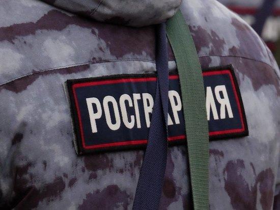 В Ярославле росгвардеец оказал помощь раненому ребенку.
