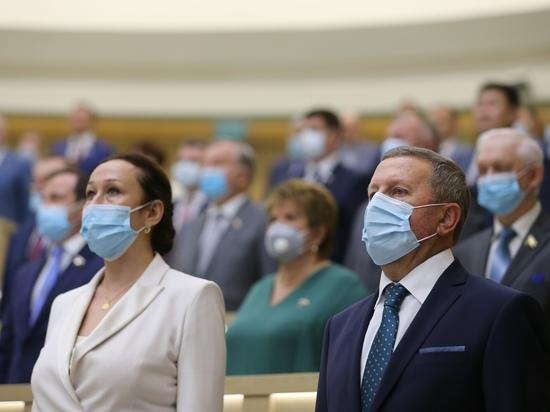 Матвиенко вручила удостоверение  рязанскому сенатору Ирине Петиной