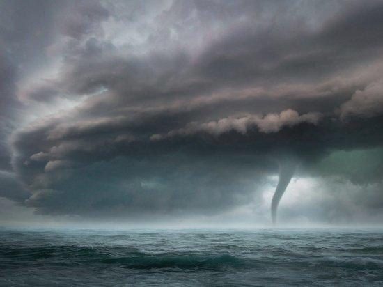 Тропический шторм «Фэй» обрушился на побережье Нью-Джерси