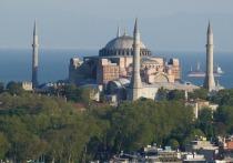 Греция после решения Турции превратить собор Святой Софии в мечеть должна немедленно ввести санкции против Анкары, а также закрыть турецкое консульство в Комотини, музей Кемаля Ататюрка в Салониках, границы с Турцией, сотни нелегальных мечетей